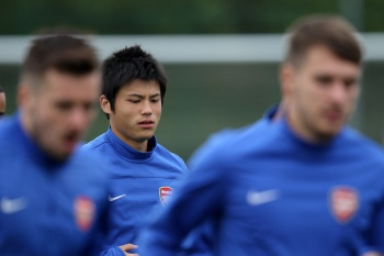 Arsenal disposto a ceder quatro jogadores para ter William