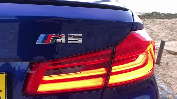 Era uma vez 600 cavalos que viviam no BMW M5...