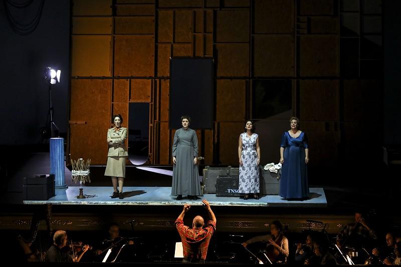 Ópera de Britten encenada por Luís Miguel Cintra hoje no