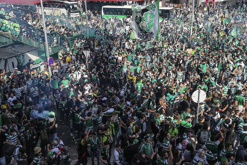 Video Confianca Ansiedade E Muita Festa Assim Esta O Ambiente Em Alvalade A Menos De Duas Horas Do Sporting Boavista I Liga Sapo Desporto
