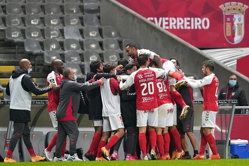 Braga bate Famalicão, ultrapassa FC Porto e sobe ao pódio