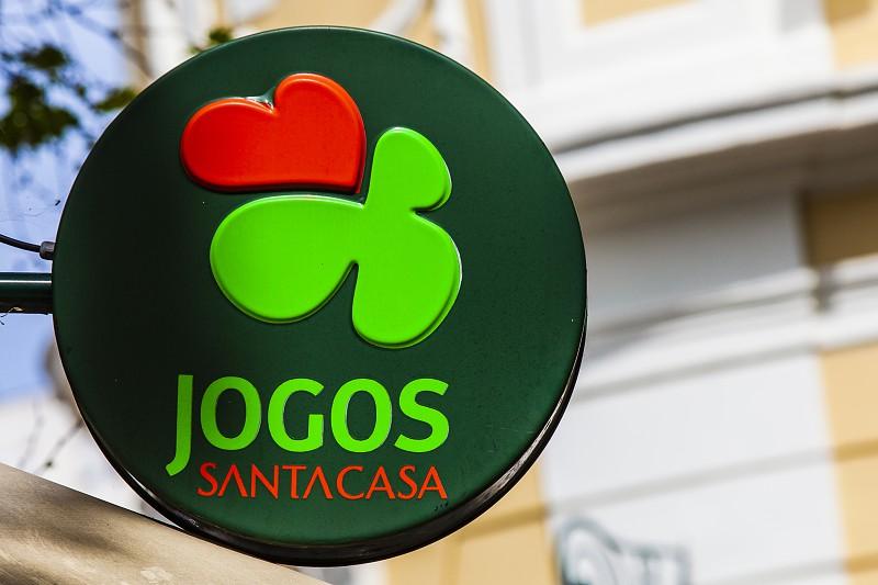 """Resultado de imagem para Roubou mais de 250 raspadinhas. O prémio foram cinco anos de prisão suspensa em Aveiro"""""""