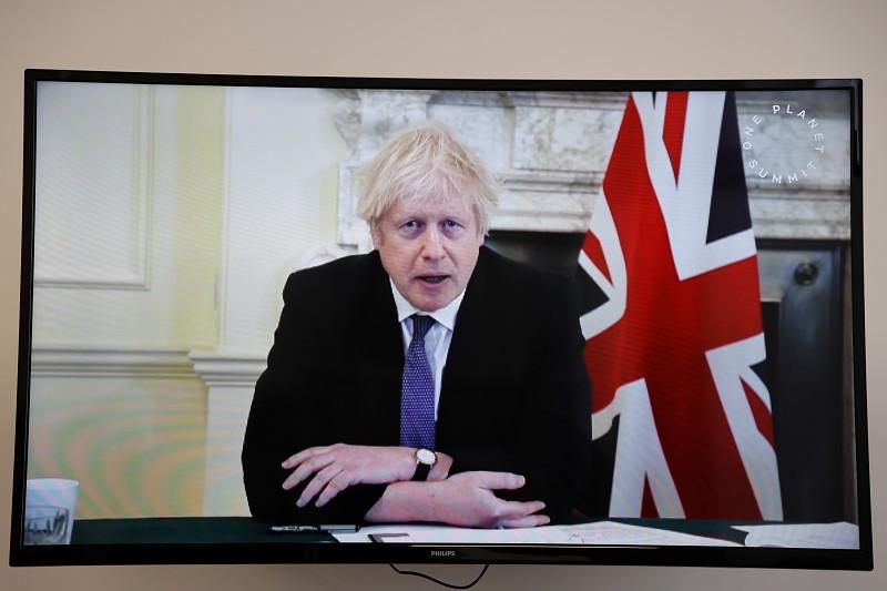 Reino Unido preocupado com estirpe brasileira do novo coronavírus