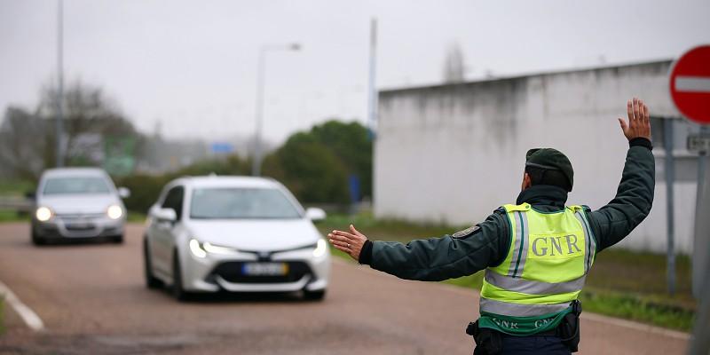 Cerca de 1.900 pessoas impedidas de circular nas fronteiras entre Portugal e Espanha