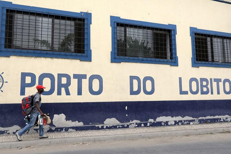 Angola lança concurso internacional para gestão do terminal do Porto do Lobito