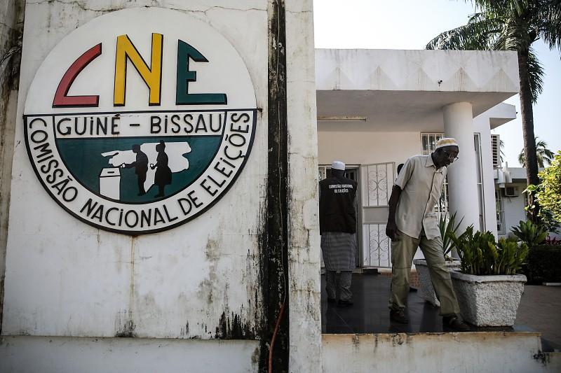 CNE diz que ata de apuramento nacional está no tribunal, mas sem assinaturas