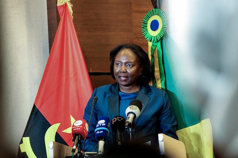 Angola desaconselha viagens para países onde circulam novas estirpes do vírus