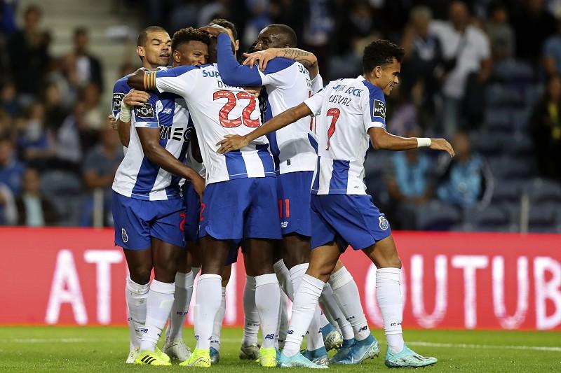 FC Porto 2-0 Santa Clara: Confira os golos e os principais lances da 1º parte