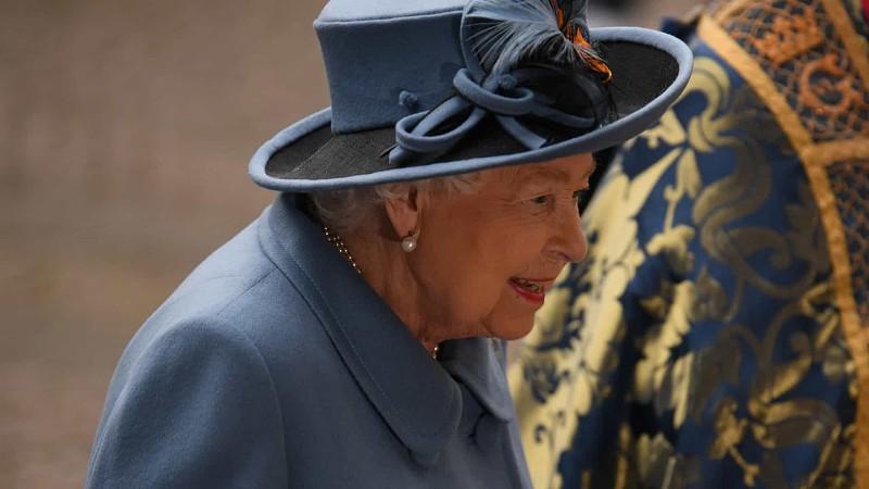Rainha de Inglaterra pede determinação em rara alocução televisiva ...