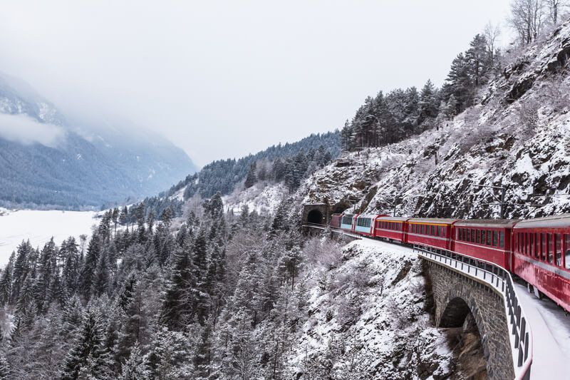 7 viagens míticas de comboio para fazer antes de morrer - Mundo ...