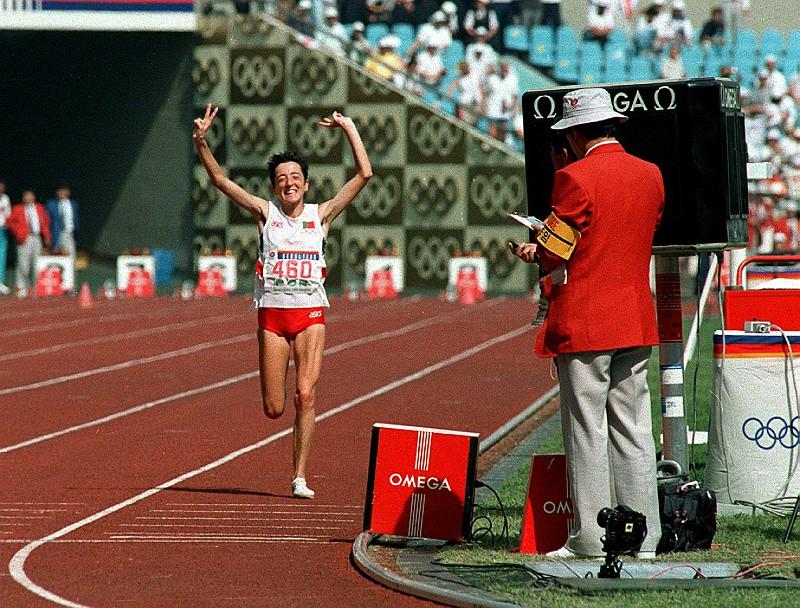 Resultado de imagem para Um ano depois, Rosa Mota volta a vencer mini-maratona de Macau com ainda melhor tempo