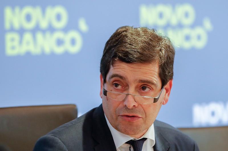 Novo Banco admite precisar de mais capital este ano - Economia ...