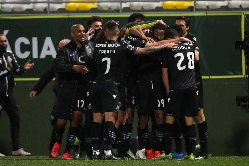 Sporting Tenta Repor Os Seis Pontos De Vantagem Para Fc Porto I Liga Sapo Desporto