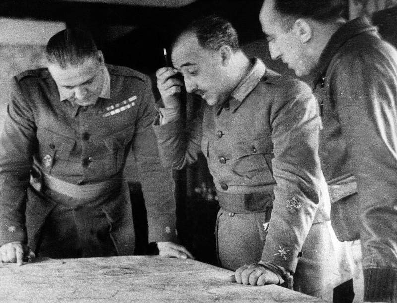 Invadir Portugal era uma tentação para Franco, mas há um grupo de académicos espanhóis que continua a