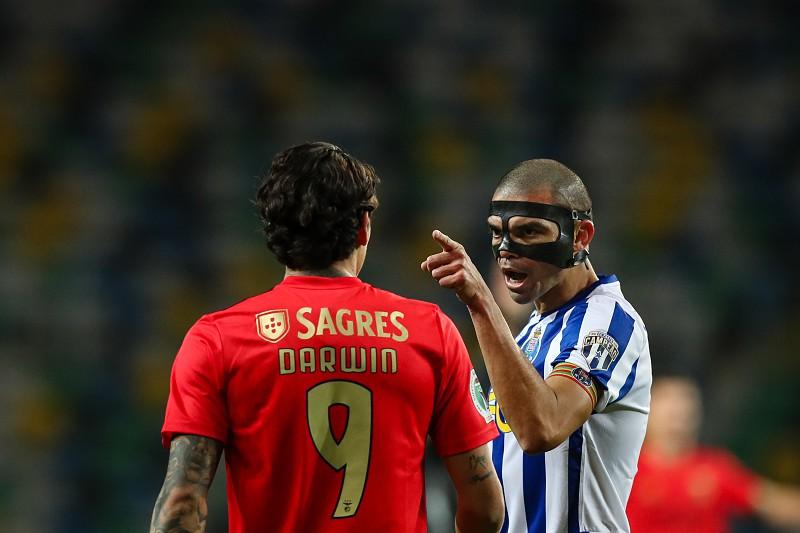 Hoje Vai Aquecer Fc Porto Recebe Benfica No Classico Dos Classicos Sporting Atento No Sofa I Liga Sapo Desporto