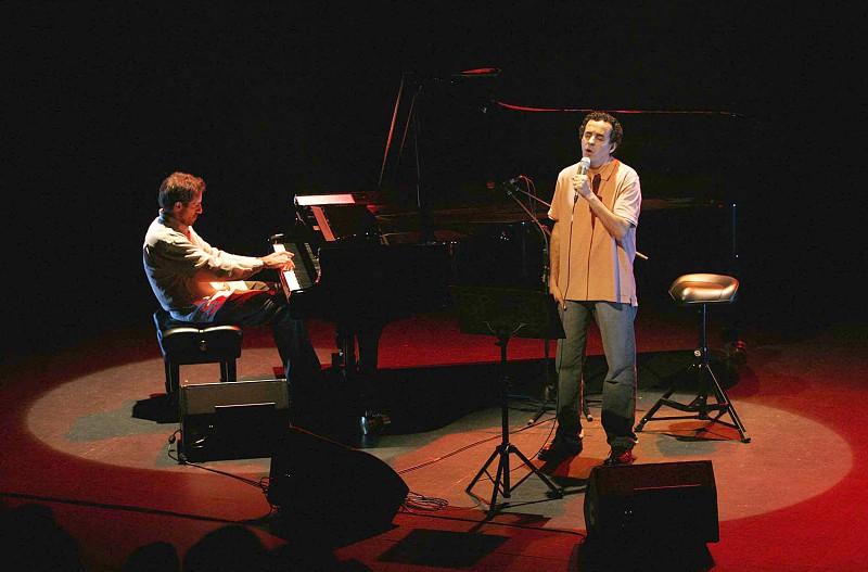 Dias do Desassossego abrem com João Afonso a cantar poetas de língua portuguesa