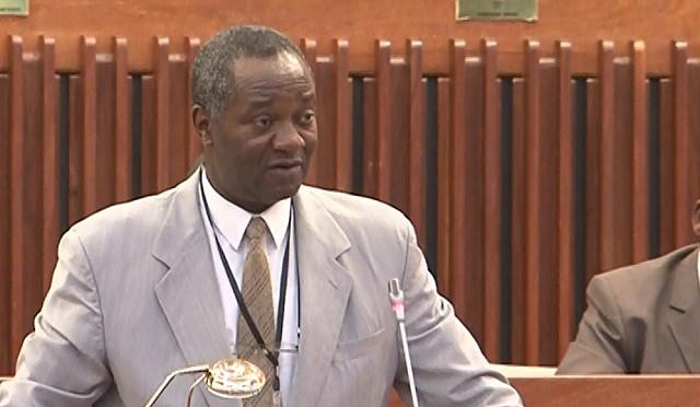 """Filósofos moçambicanos lançam """"Manifesto por uma terceira via"""" para resolver violência cíclica"""