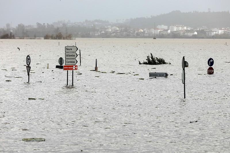 Resultado de imagem para Mau tempo: Cheias no Mondego vão manter-se nos próximos dias