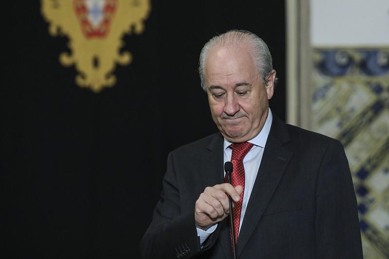 """Resultado de imagem para Uma """"hipocrisia que desprestigia"""". Rio critica data do debate do programa do Governo na AR"""