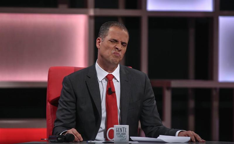 """Resultado de imagem para Ricardo Araújo Pereira criticas ordenado"""""""