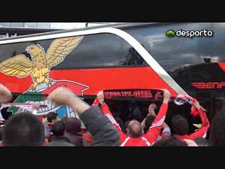 Chegada do autocarro do Benfica