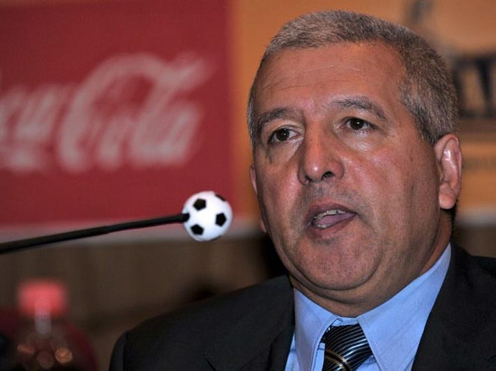 Técnico Ferrin observa jogo da África do Sul diante da Noruega
