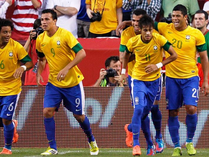 Neymar marca na vitória do Brasil