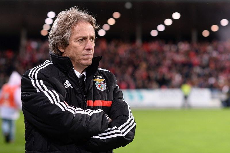 """Benfica e Sporting têm responsabilidade de jogar para o título"""
