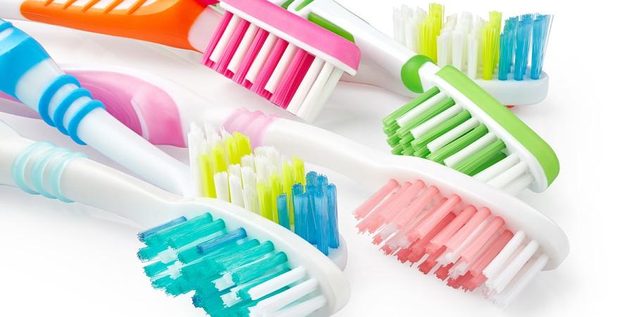 Resultado de imagem para escovas de dentes