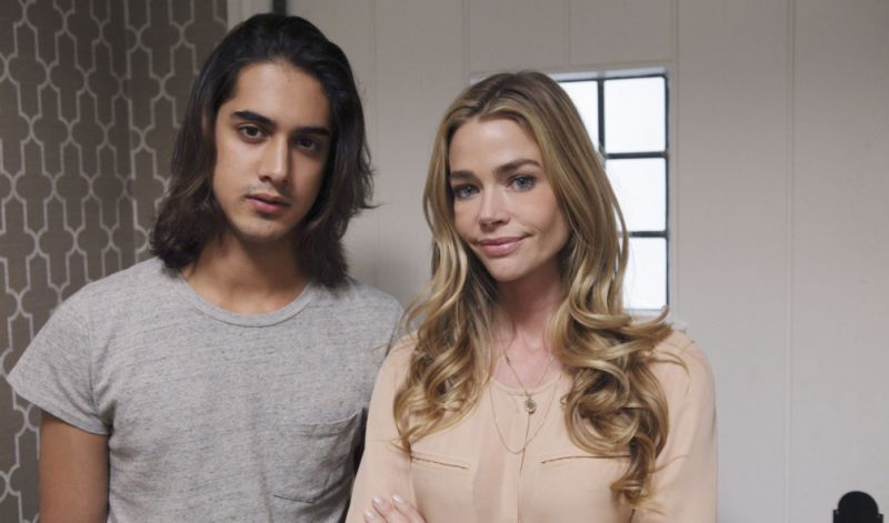 TABLOIDS OUT; NO BOOK PUBLISHING WITHOUT PRIOR APPROVAL. NO ARCHIVE. NO RESALE. 