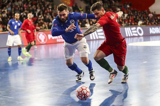 Seleção portuguesa de futsal volta a perder com o Brasil - Futsal ... 7bf567a355018
