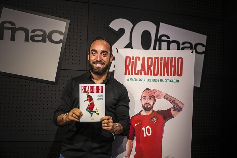 Ricardinho e Bruno Coelho candidatos a melhores do mundo no futsal ... 24948b4ac7baf