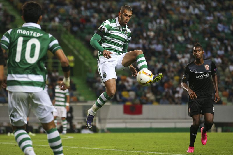 sporting • Islam Slimani (C) of Sporting Clube de Portugal in action against KF Skenderbeu during the UEFA Europa League group H match , held at Alvalade Stadium in Lisbon, Portugal, 22 October 2015. JOSE SENA GOULAO/LUSA • LUSA