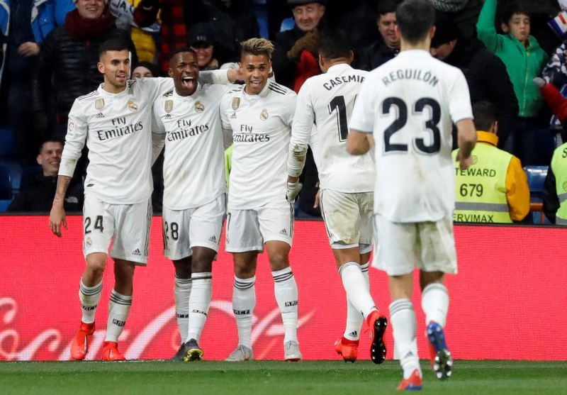 Real Madrid vence Alavés e encurta distâncias para o topo da liga ... d76a78c3ec4e9
