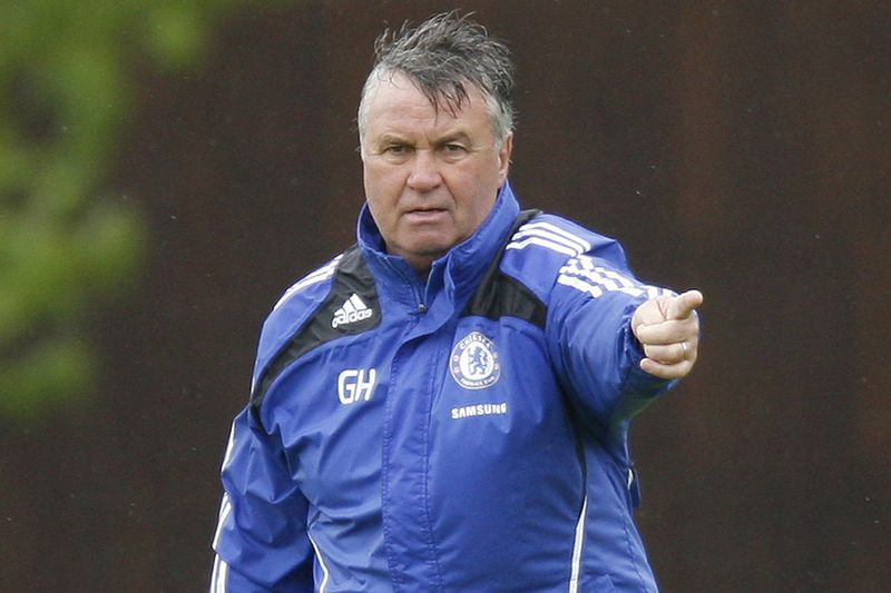 Guus Hiddink • Treinador do Chelsea. • IAN KINGTON