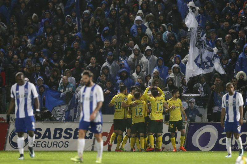 Pacos de Ferreira's players celebrate after the scoring of a goal against FC Porto during their Portuguese First League soccer match, held at Mata Real stadium, Pacos de Ferreira, Portugal, 11 March 2018. JOSE COELHO/LUSA