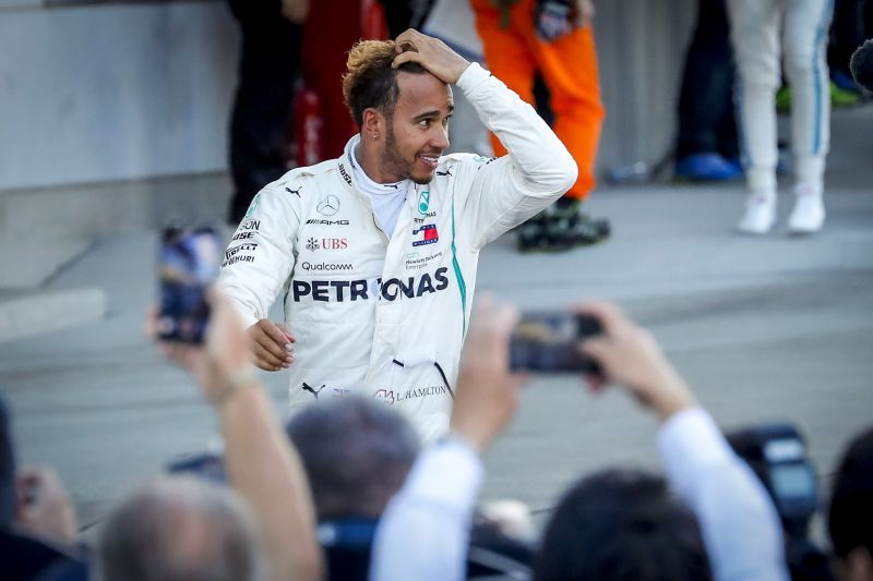 Lewis Hamilton vence GP da China e assume liderança do Mundial de Fórmula 1