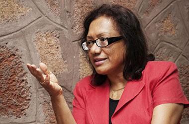 Escritora Vera Duarte dedica novo livro de poesia a cabo-verdianos e brasileiros