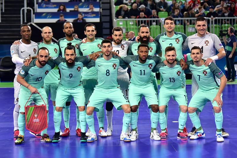 Portugal está na final do Europeu de Futsal - Desporto - SAPO 24 410de5501c2dc