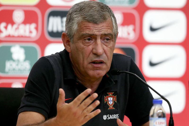 Portugal national soccer team press conference • Portuguese national soccer team head coach Fernando Santos facing the media during a press conference in view to the upcoming friendly soccer match against Gibraltar next 01 September and for against Switzerland next 06 September for World soccer qualifying Group B, at the Portuguese Soccer City complex, outskirts of Lisbon, Portugal, 31 August 2016. INACIO ROSA/LUSA • Lusa