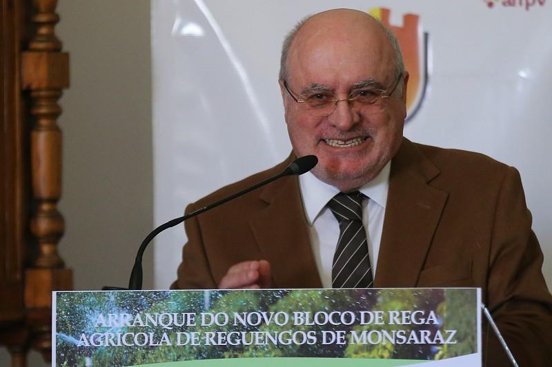 """Resultado de imagem para Ministro da Agricultura vê com """"estupefação"""" protesto de lesados dos incêndios"""