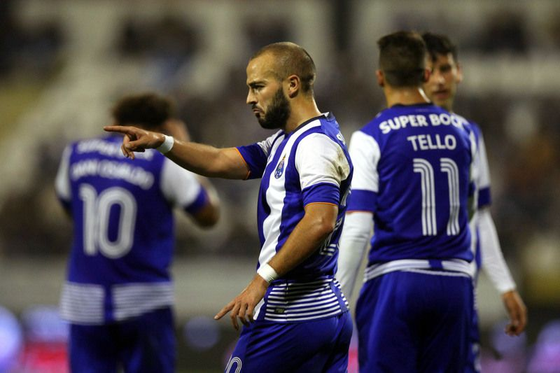 Portugal Cup: Varzim vs FC Porto • FC Porto player André André celebrates a goal against Varzim during the Portugal Cup soccer match held at Varzim Stadium, Póvoa de Varzim, Portugal, 17 October 2015. ESTELA SILVA/LUSA • Lusa