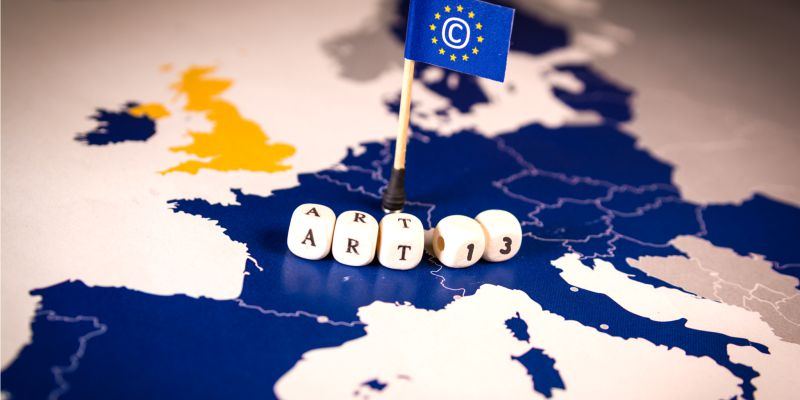 Direito de Autor: Artigos 11 e 13 (agora artigos 15 e 17) foram aprovados