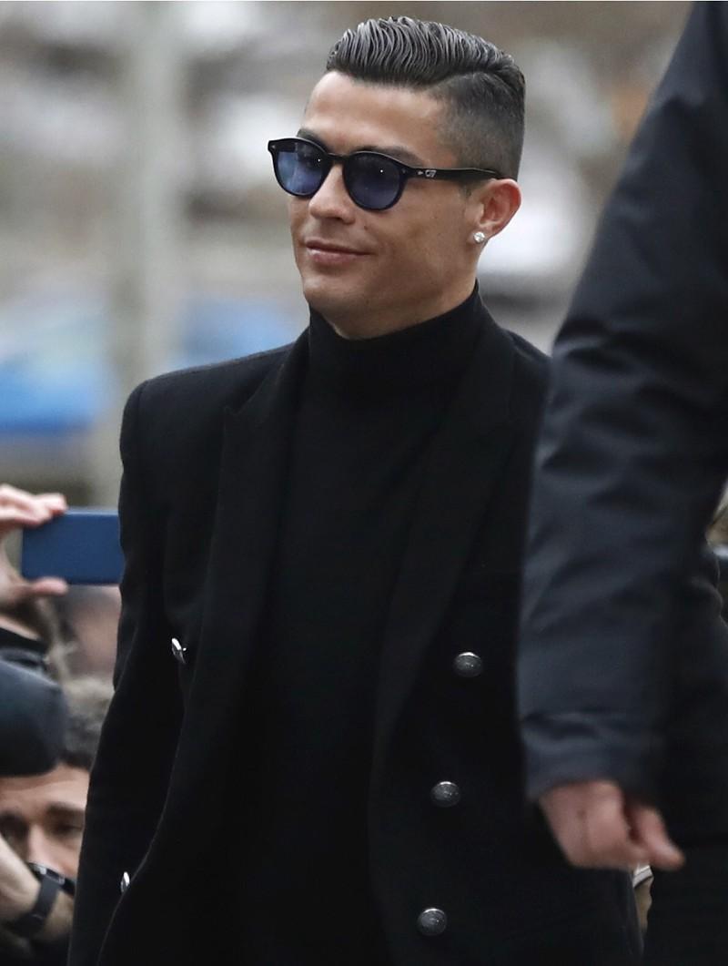 8e7bc1d1758 Caso encerrado  Cristiano Ronaldo reconhece fraude fiscal e paga multa de  18