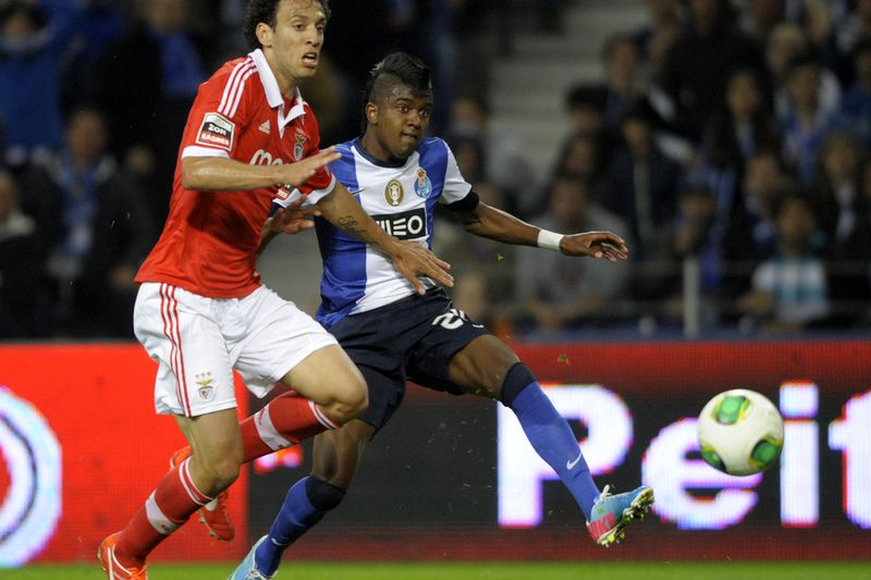 a004a2cd55 FC Porto - Benfica  Dez  clássicos  inesquecíveis - I Liga - SAPO ...