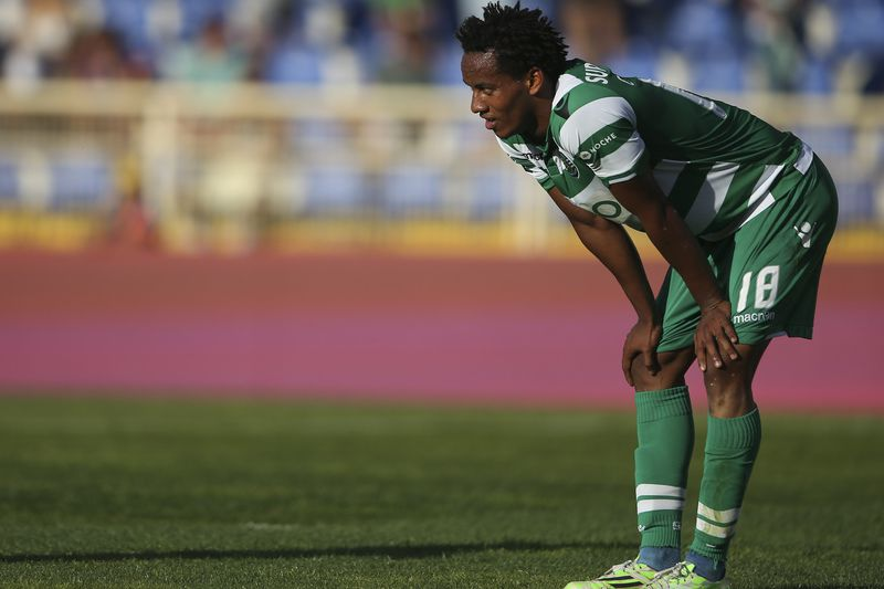 Estoril Praia vs Sporting • Sporting's player Carrillo reacts at the end of the Portuguese First League soccer match against Estoril Praia held at Antonio Coimbra da Mota stadium in Estoril, outskirts of Lisbon, Portugal, 10 May 2015. MARIO CRUZ/LUSA • Lusa
