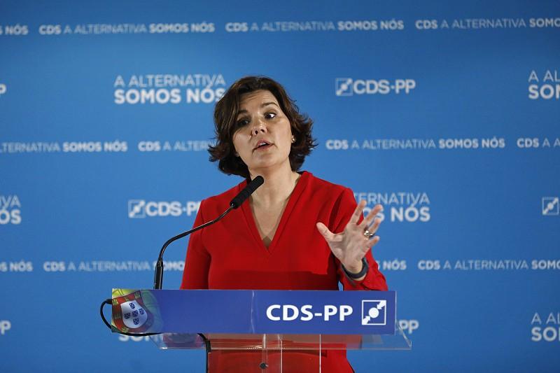 """Resultado de imagem para CDS apresenta moção de censura. Cristas diz que """"governo está esgotado, bloqueado e com um primeiro-ministro desorientado"""""""