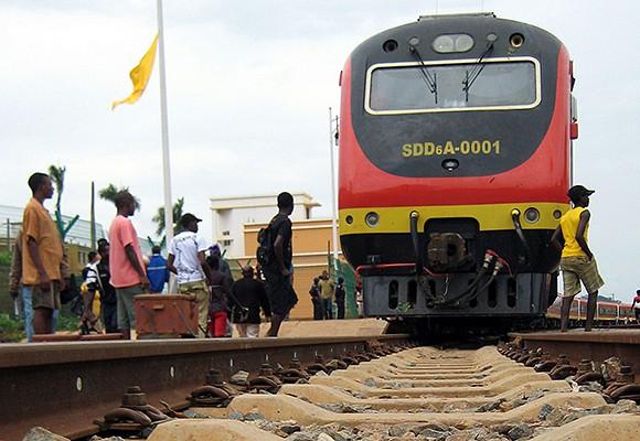 Trabalhadores do Caminho-de-Ferro de Luanda iniciam nova greve quinta-feira