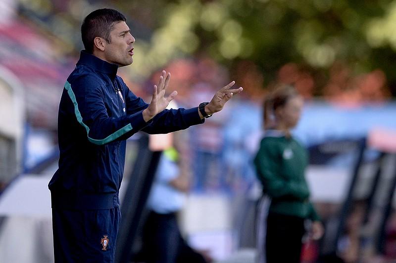 Portugal empata na Roménia na qualificação para o Mundial feminino ... f30dde4ef3d44