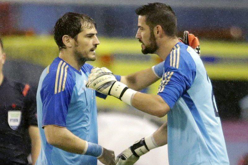 61e8ea5550 Saiu Casillas